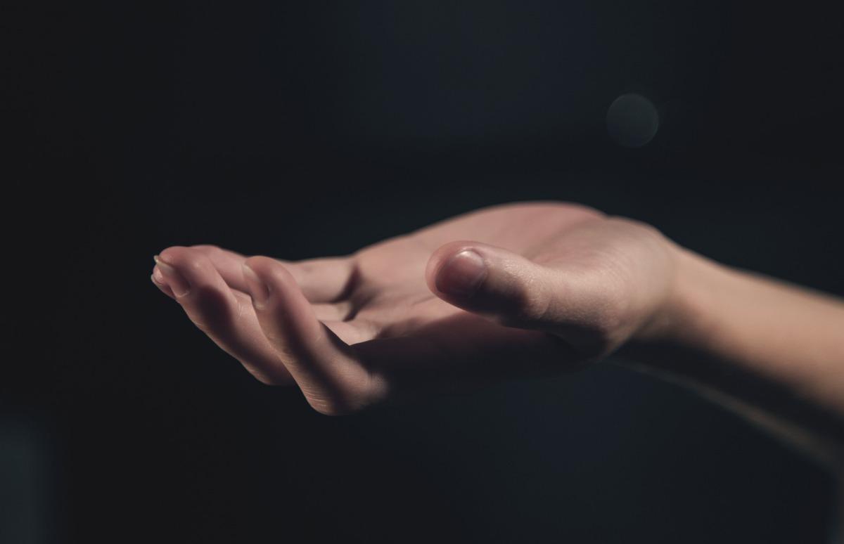 hand-1044883_1920