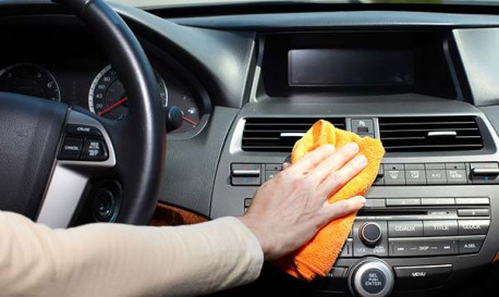 conservez-votre-voiture-propre-avec-holidays-cars-services